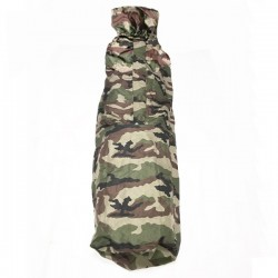 Sur sac de couchage sarcophage camouflage en condition de face haut