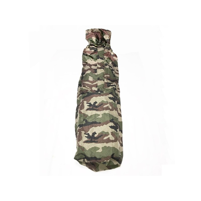 Sur sac de couchage sarcophage camouflage en condition de face haut