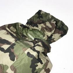 Capuche du sur sac de couchage sarcophage camouflage en condition de profil haut