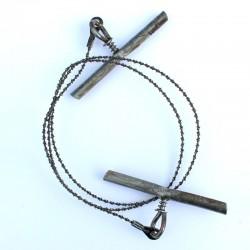 Scie en acier permettant de couper n'importe quelle essence de bois.