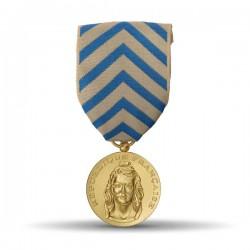 Médaille de reconnaissance de nation présentant une effigie de la République.