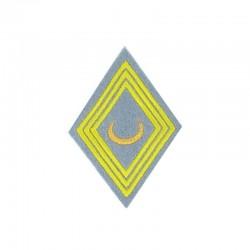 Ecusson de bras losange pour officier et sous-officier brodé or et jaune sur un fond gris