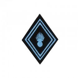 Ecusson de bras losange brodé bleu ciel sur un fond noir pour soldat, caporal et caporal chef de troupe ABC Hussard